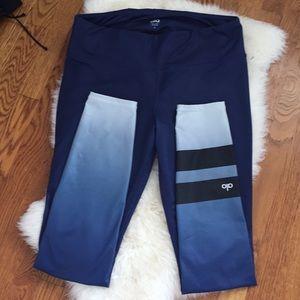 ALO Yoga Pants - 1 HOUR SALE 🦋 Alo Yoga leggings